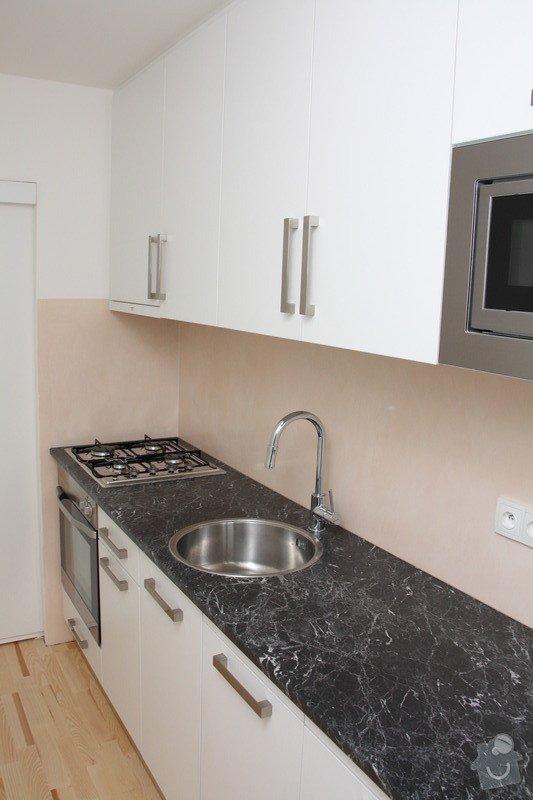 Kompletní interiérové vybavení bytu 3+1 - kuchyň, spotřebiče, dveře, koupelna, šatní skříň, obývací pokoj: IMG_0010