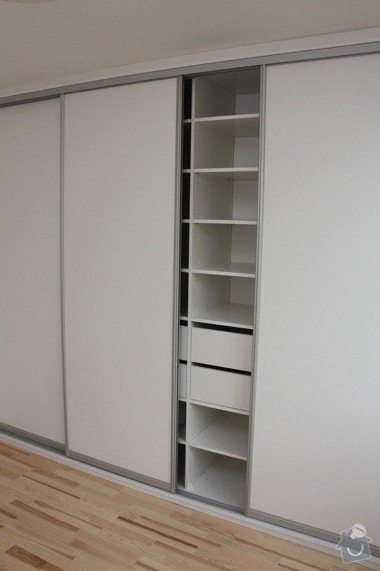 Kompletní interiérové vybavení bytu 3+1 - kuchyň, spotřebiče, dveře, koupelna, šatní skříň, obývací pokoj: IMG_0063