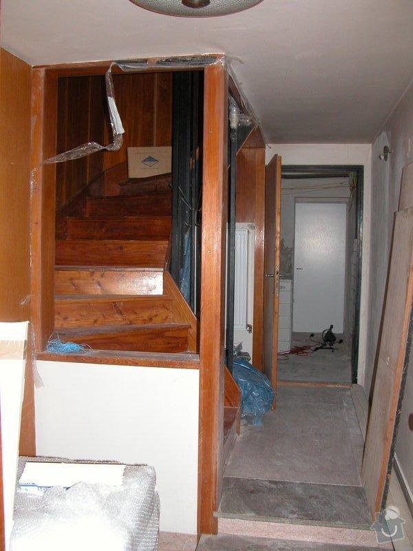 Oddělení prostor dřevěným oknem a dveřmi: DSCN1154