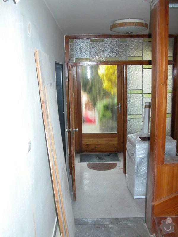 Oddělení prostor dřevěným oknem a dveřmi: DSCN1157