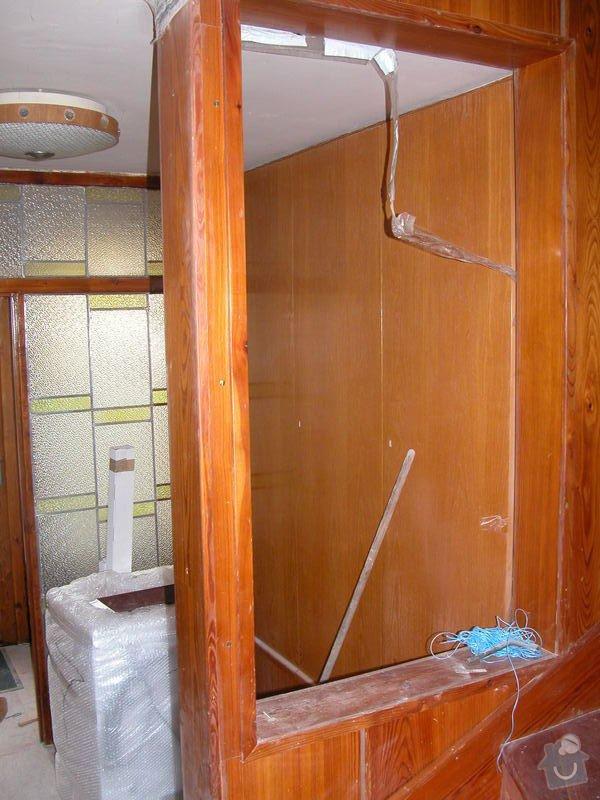 Oddělení prostor dřevěným oknem a dveřmi: DSCN1160
