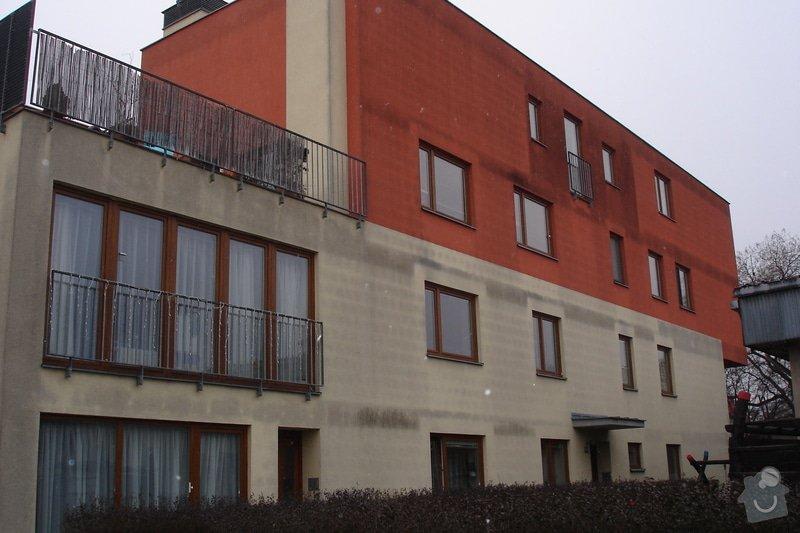 Oprava fasády bytového domu nástřikem: DSC04097