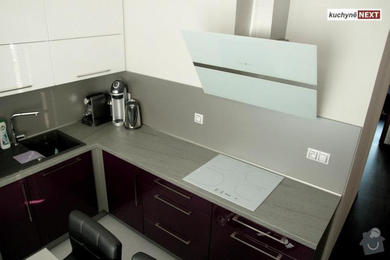 Kuchyňská linka a vestavěná skříň: 10142_342642059180695_2138353998_n