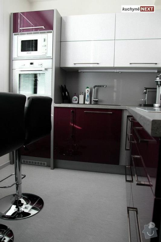 Kuchyňská linka a vestavěná skříň: 537405_342642049180696_1870156446_n