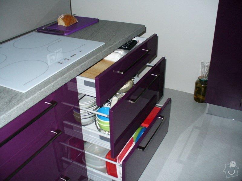 Kuchyňská linka a vestavěná skříň: P1020275
