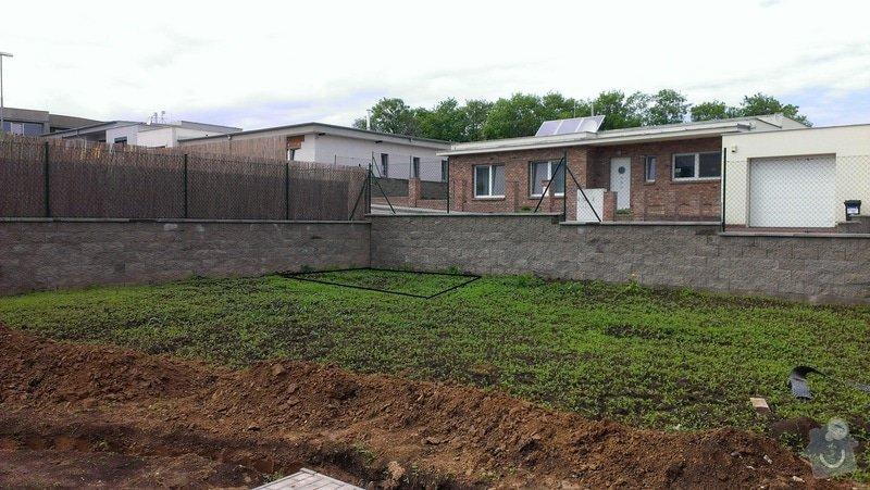 Betonove zaklady pro zahradni altan: misto_provedeni_zakladu_cerne_