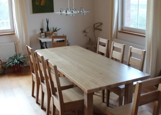 Stůl jídelní dub masiv + 8 židlí na zakázku