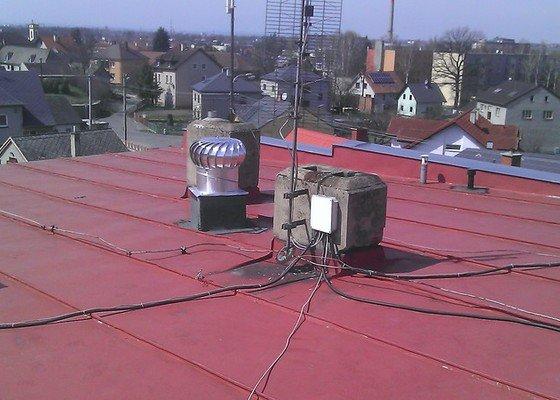 Zateplení dvouplášťové ploché střechy