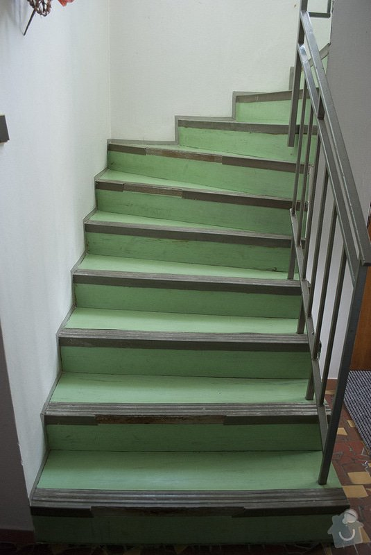 Polozeni PVC podlahy na schodiste: 01