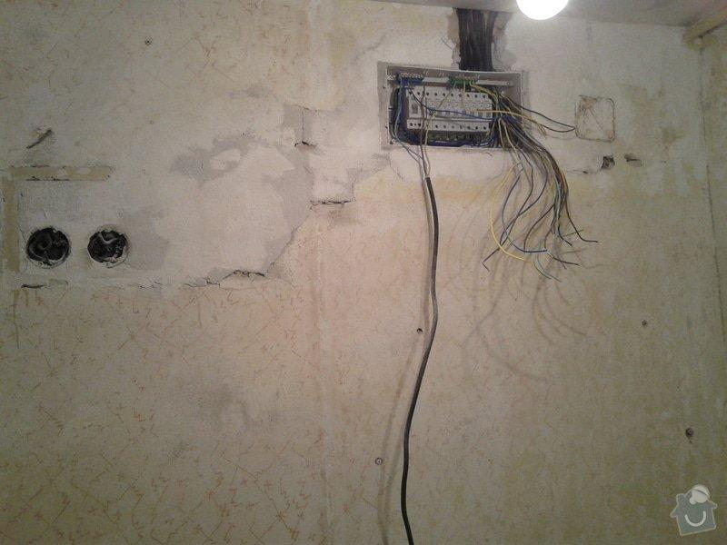 Rekonstrukce koupelny,WC,předsíně: 20130425_135645