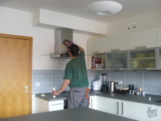 Výroba kuchyně: P1050943