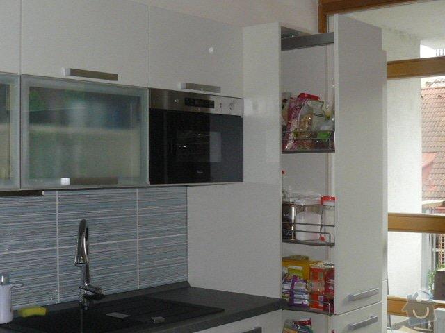 Výroba kuchyně: P1050954