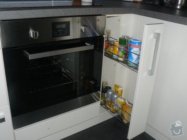 Výroba kuchyně: P1050956