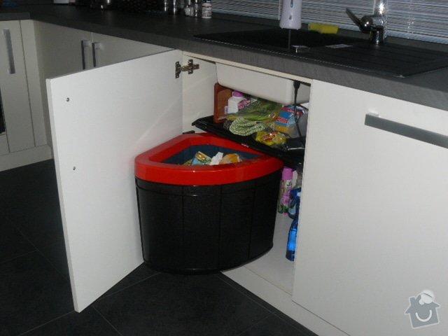 Výroba kuchyně: P1050958