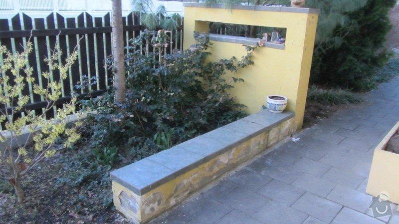 Oprava zahradních zídek (omítka, barva, dlažba): Zidka_1