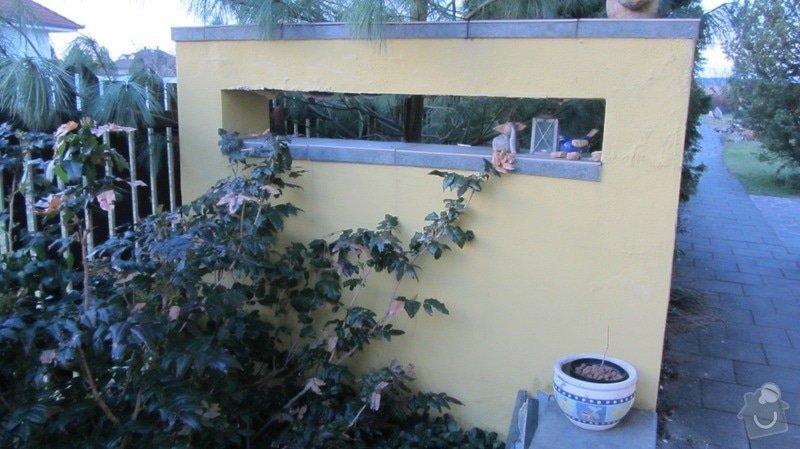 Oprava zahradních zídek (omítka, barva, dlažba): Zidka_1a