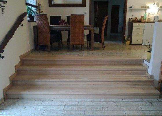 Obložení betonového schodiště dřevem
