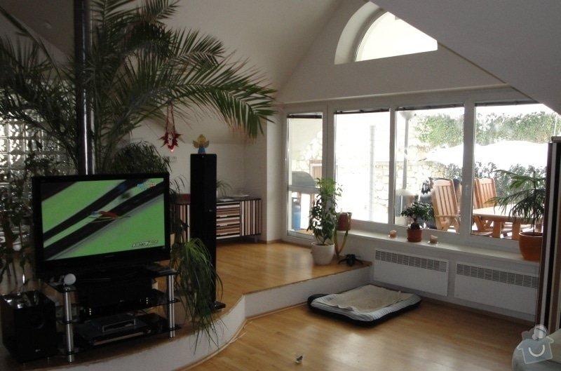 Návrh interieru obývacího pokoje s jídelním koutem a návrh zádveří: 005