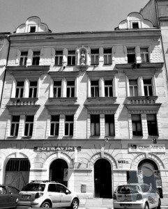 Fasada cinzovniho domu: fasada-foto