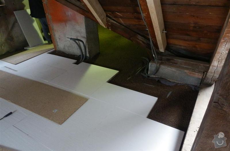 Vyrovnání podkladu deskami MFP v podkroví: P2090701_Large_