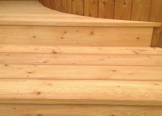 Vstupní schody a terasa RD