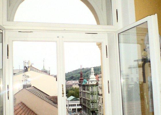 Výroba a montáž rolet mezi okna