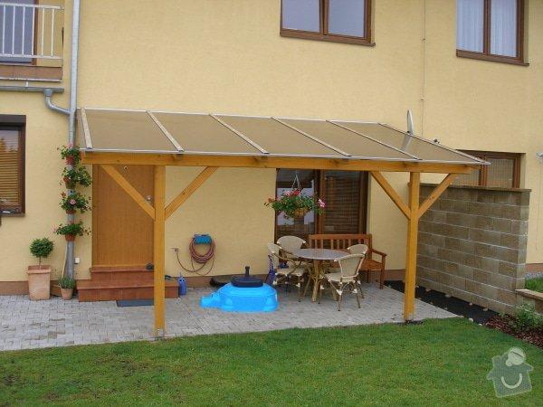 Zahradní pergola ke zdi domu : pergoly