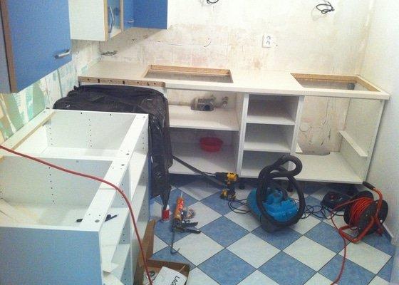 Instalace kuchyňské pracovní desky