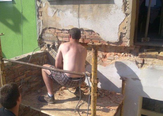 Rekonstrukce balkonu a fasády