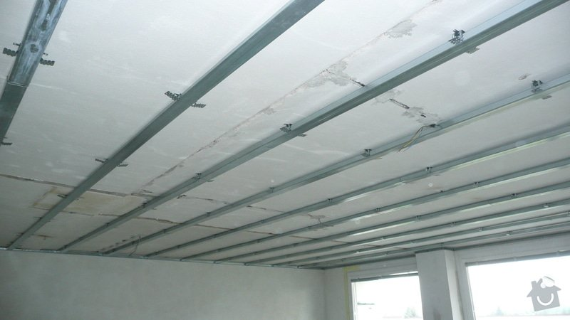 Sádrokartonový podhled jeden pokoj (32m2): P1060855