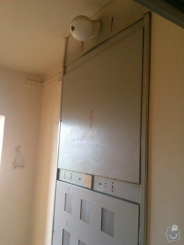 Elektroinstalace v bytě (bytový rozvadeč + připojení kuchyňských spotřebičů): rozvadec_chodba