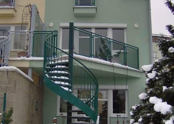 Oprava dlažby terasy a schodů