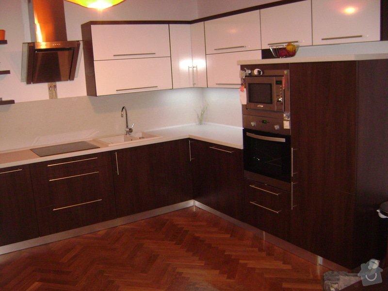 Kuchynská linka +stůl: DSC01001