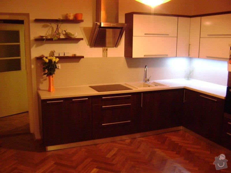 Kuchynská linka +stůl: DSC00994