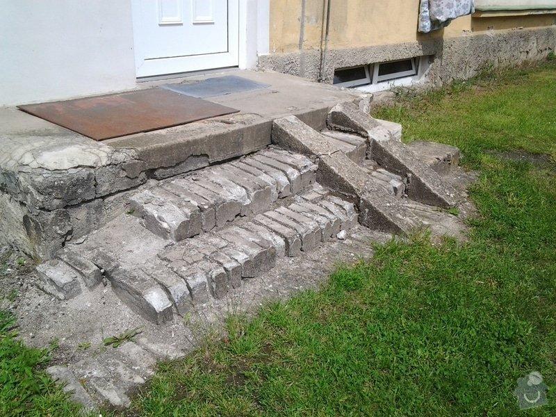 Rekonstrukce venkovního schodiště: 20130522_113139
