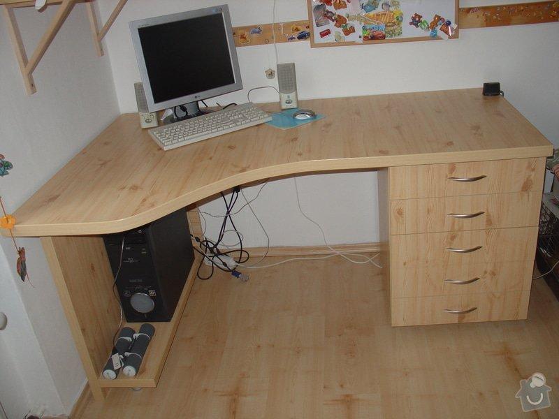 Dětský rohový počítačový stůl: DSC00041