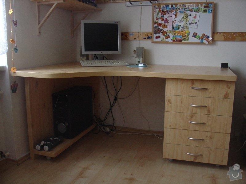 Dětský rohový počítačový stůl: DSC00039