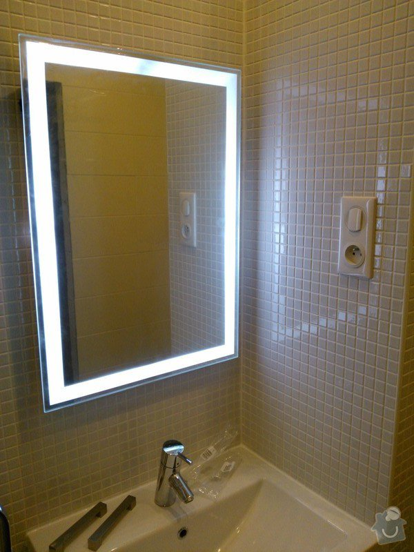 Rekonstrukce koupelny, předsíně, kuchyně: 20130501_065303_WP_000944