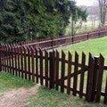 Dreveny plot okolo chalupy dokonceni plotu 019