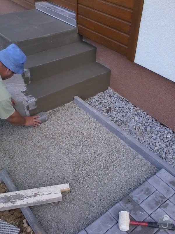 Dokončení zámkové dlažby + vstupní schodiště: zamkovka_22