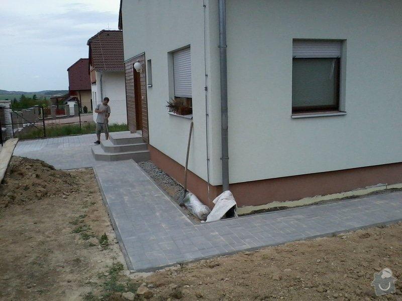 Dokončení zámkové dlažby + vstupní schodiště: Zamkovka_1
