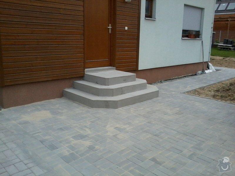 Dokončení zámkové dlažby + vstupní schodiště: zamkovka_2