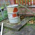 Propojeni odpadu odpadni trubkou uvnitr zumpy dscf7261