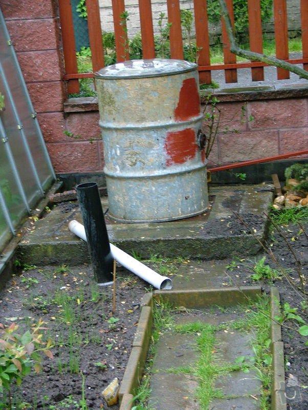 Propojení odpadu odpadní trubkou -  uvnitř žumpy: DSCF7262