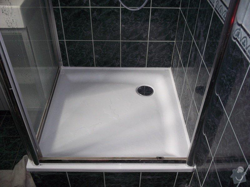 Výměna vaničky sprchového koutu, přespárování obkladů ve sprše: 100_1463