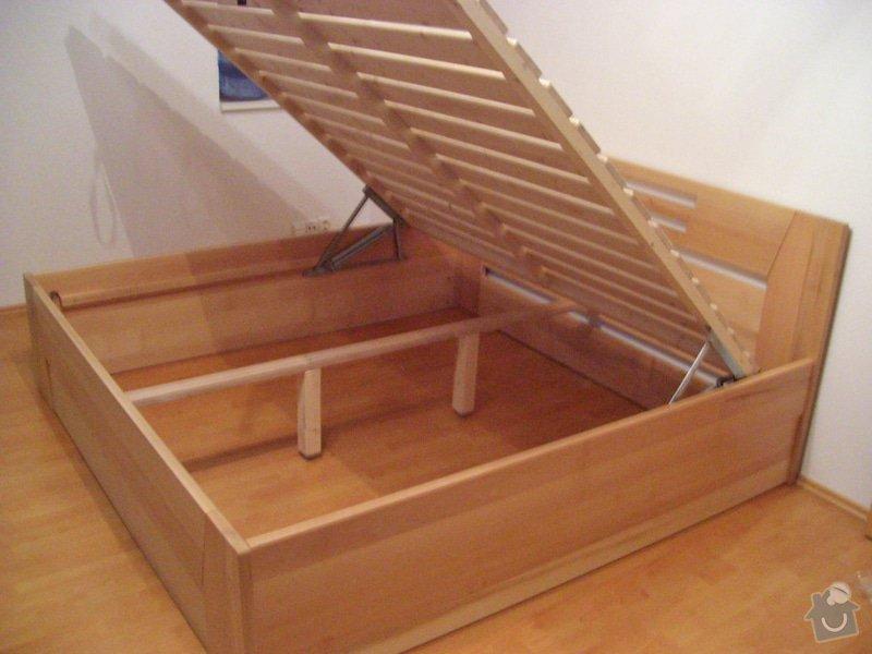 Manželská postel s výklopem z masivu: Rost