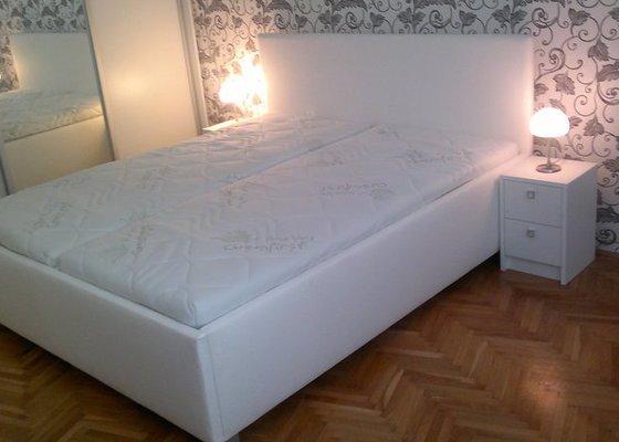 Výroba postele + nočních stolků