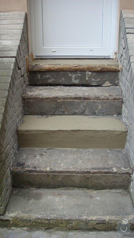 Rekonstrukce dvou schodišť do vnitrobloku činžovního domu: DSC03845