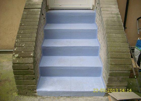 Rekonstrukce dvou schodišť do vnitrobloku činžovního domu
