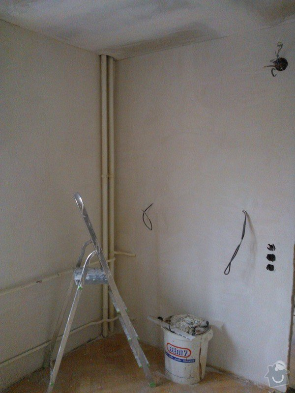 Sádrokartonové podhledy a renovace stěn sádrovou stěrkou: 20130602_162225_WP_001090